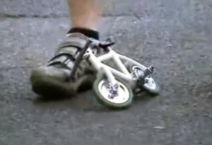 minivelo-worlds-tiniest-bike